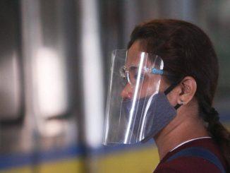 菲律賓政府表示於戶外將不需要配戴面罩