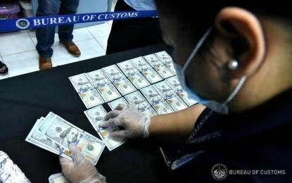 菲律賓海關沒收外幣金額超過3300萬披索