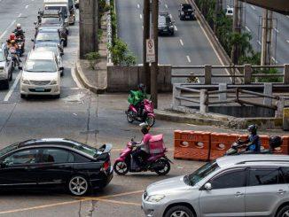 內政部周二表示,為了更好地遏制感染和刺激商業活動,馬尼拉大都會區將處於5個COVID-19警報等級中的第二嚴格級別。內政部副部長Epimaco Densing III告訴ABS-CBN的TeleRadyo,首都地區近1,350萬人將從9月16 日起進入4級警報隔離狀態。馬尼拉