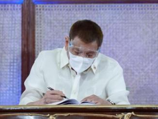 菲總統杜特地簽署確定對博彩公司和外國員工額外稅收
